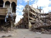 ISとシリア軍の戦闘で廃虚と化したシリア中部の古都パルミラの中心部=2017年、篠田航一撮影
