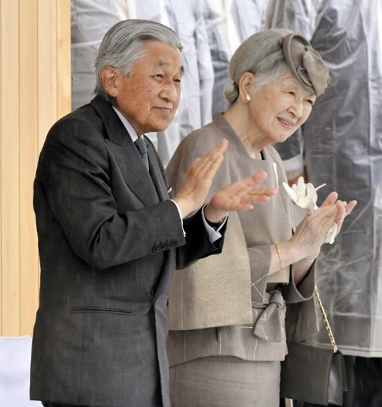 皇室:皇后さま、84歳誕生日 陛下とともに歩み 文書で回答 - 毎日新聞
