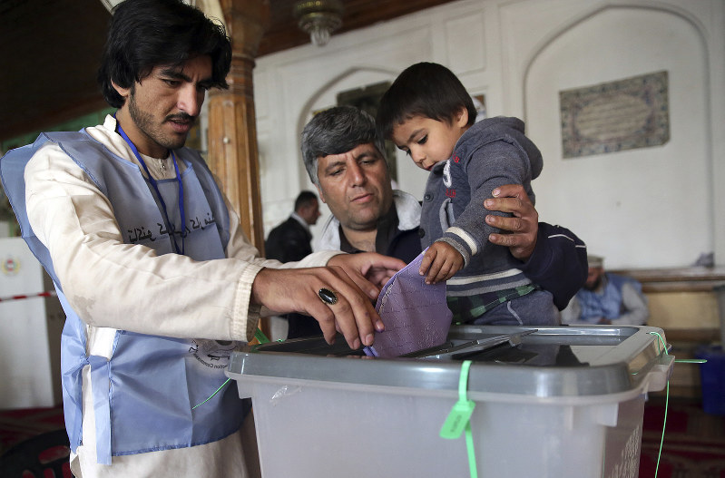 Violence, confusion surround Afghan parliamentary elections