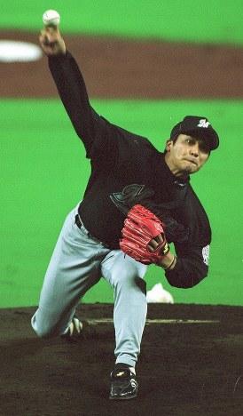 日米野球【全日本-大リーグ選抜】全日本先発の黒木は5回8奪三振の力投=福岡ドームで2000年11月7日、矢頭智剛撮影