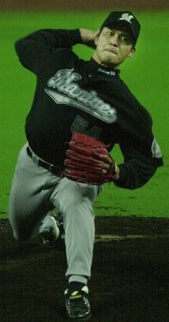 【ダイエー-ロッテ】ダイエーを2失点に抑える好投を見せたロッテ先発・黒木投手=福岡ドームで2001年6月30日、木葉健二撮影