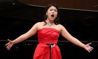 第87回日本音楽コンクールの声楽部門で1位になった森野美咲さん=東京都新宿区の東京オペラシティコンサートホールで、玉城達郎撮影