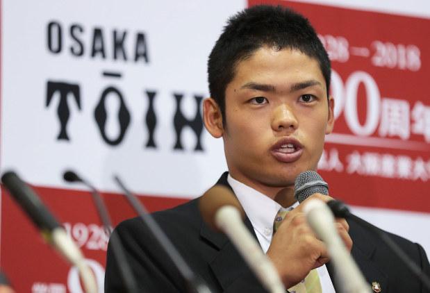 大阪桐蔭高の根尾昴内野手には、ドラフト会議の結果中日が交渉権を得た