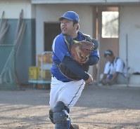 守備の要・捕手としてもチームを支える宇野竜之介主将=長野市のNTT東日本更北グラウンドで