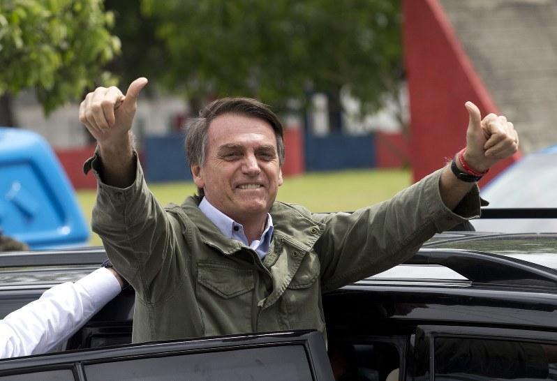大統領 発言 ブラジル コロナ感染のブラジル大統領、過激発言の裏に潜む本音:朝日新聞デジタル