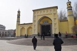 中国新疆ウイグル自治区カシュガル市にあるエイティガール・モスク=2015年12月、林哲平撮影