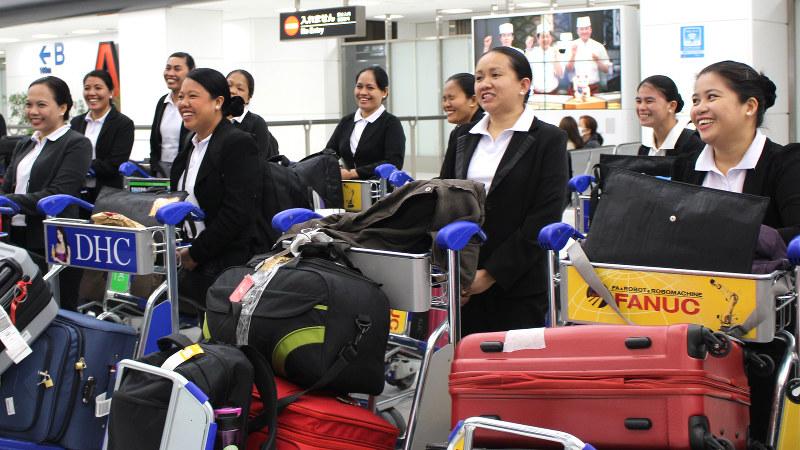 家事代行サービスに従事するため来日したフィリピン人女性=成田空港で2017年3月9日、中村かさね撮影