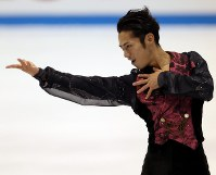 【2010年】優勝した高橋大輔のフリー演技=日本ガイシアリーナで2010年10月24日、貝塚太一撮影