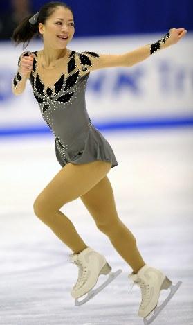 【2011年】ショートプログラムでトップに立った鈴木明子=真駒内セキスイハイムアイスアリーナで2011年11月11日、貝塚太一撮影