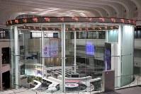 売買システムの一部で障害が起きた東京証券取引所=2018年10月9日、和田大典撮影