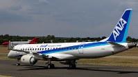 英ファンボロー航空ショーに出展されたMRJ(三菱航空機提供)