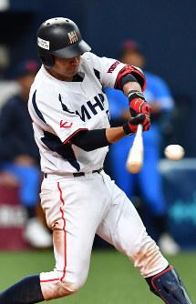 【NTT西日本―三菱日立パワーシステムズ】六回裏三菱日立パワーシステムズ2死一、三塁、平野が左中間2点二塁打を放つ=京セラドーム大阪で2018年11月6日、川平愛撮影