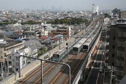 複々線化が完成した小田急電鉄