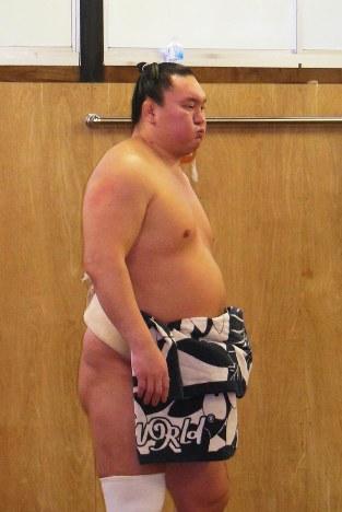 大相撲:白鵬、九州場所休場 「...