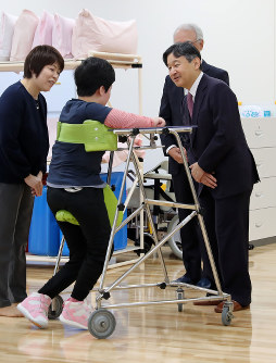 Crown Prince Naruhito visits a school for special needs education in Kaminoyama, Yamagata Prefecture, on Nov. 8, 2018. (Kyodo)