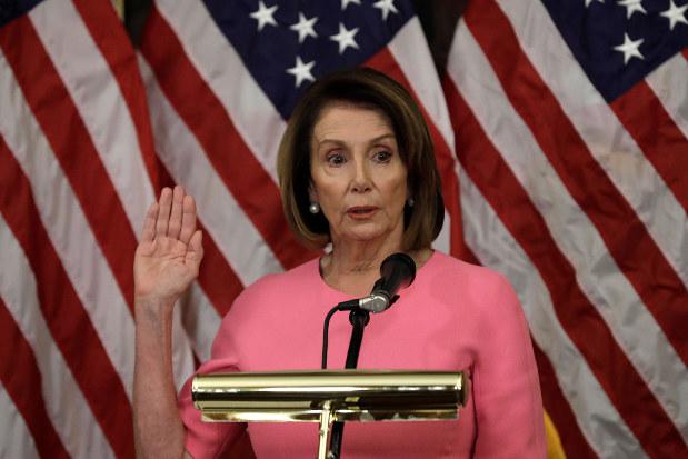 民主党下院トップのペロシ院内総務