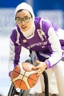 アジアパラ大会の5位決定戦で勝利したアフガニスタン女子チームのニロファ=写真家・越智貴雄さん撮影