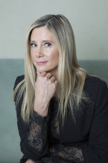 In this Nov. 5, 2018 photo, actress Mira Sorvino poses for a portrait in New York. (Photo by Amy Sussman/Invision/AP)