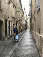 雨上がりの通学路。モンペリエは雨続きで、私が学校に着くとまた降り始めました
