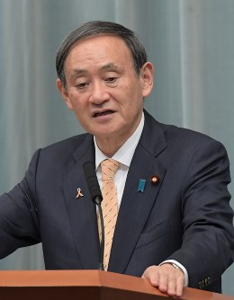 Chief Cabinet Secretary Yoshihide Suga (Mainichi)
