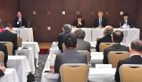 九州・山口地区の大学関係者が聴き入ったパネルディスカッション
