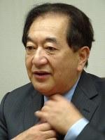 2000年の長野県知事選について語る田中康夫氏=東京都千代田区で14日、青島顕撮影