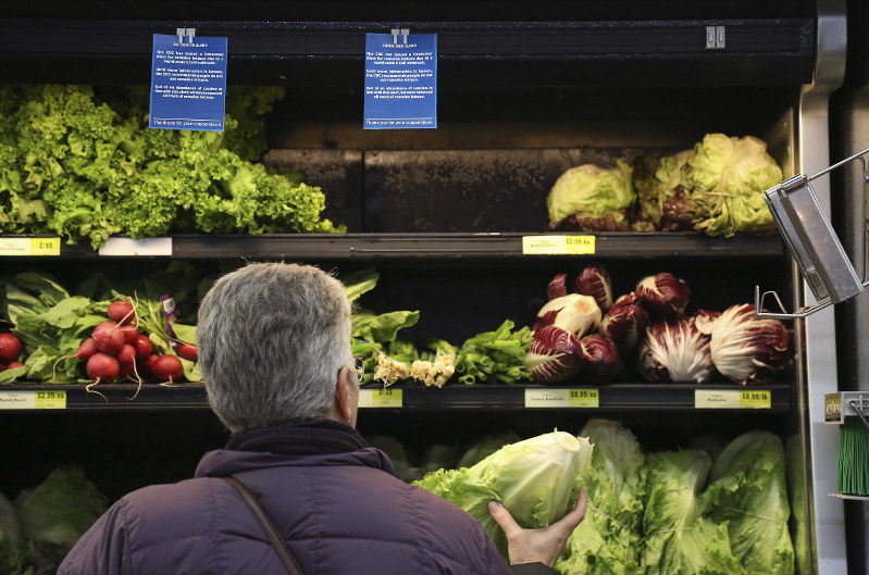 USA officials say tainted romaine lettuce appears to be from California