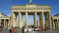 ドイツ帝国時代に建設されたブランデンブルク門。ベルリンの盛衰を見つめてきた(写真は筆者撮影)