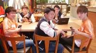 ポノススポーツのチームメートと一緒のみかん坊や選手兼監督(前列中央)