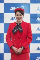 ANA地上職の4代目制服(1982年12月1日~90年10月31日・デザイナーは芦田淳)=東京都大田区の羽田空港で2018年12月1日、米田堅持撮影