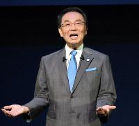 講演するパナソニックの津賀一宏社長=東京都千代田区の東京国際フォーラムで、宮本明登撮影