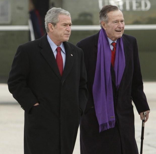 父ブッシュ氏死去:「私も愛しているよ」息子に最後の言葉 - 毎日新聞