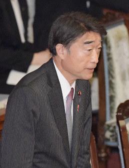 根本匠厚生労働相=国会内で2018年12月5日午前10時43分、川田雅浩撮影