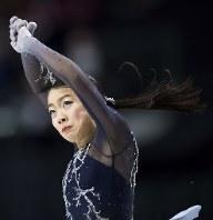 フィギュアスケートのグランプリファイナル初出場で優勝した紀平梨花=AP