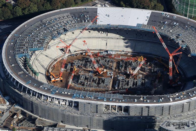 2020年東京五輪に向けて関連施設の建設が続くが・・・・・(新国立競技場)
