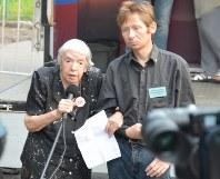 80代後半になってもアレクセーエワさんはさまざまな集会に参加し訴え続けた=モスクワで2013年8月、大前仁撮影