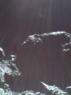 小型探査ロボットが9月29日に撮影した小惑星リュウグウの表面の画像=宇宙航空研究開発機構提供