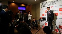 Los Angeles Angels' two-way talent Shohei Ohtani fields questions from reporters during the 2018 Mainichi sporting figure award ceremony after receiving the grand prix, in Tokyo's Bunkyo Ward on Dec. 13, 2018. (Mainichi/Naoaki Hasegawa)