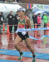 防府読売マラソンで2年連続の優勝を果たした川内優輝=2018年12月16日、生野貴紀撮影