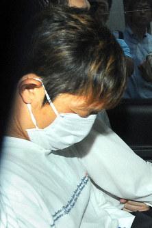 In this Aug. 23, 2015 file photo, Koji Yamada is sent to prosecutors from the Osaka prefectural police headquarters. (Mainichi/Kazuki Yamazaki)