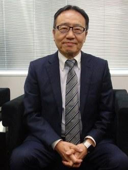 毎日新聞のインタビューに応じるソフトバンクの宮内謙社長=東京都港区の本社で2018年12月20日、森有正撮影