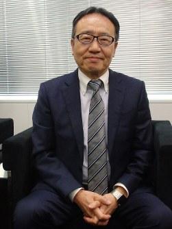 毎日新聞のインタビューに応じるソフトバンクの宮内謙社長=東京都港区の本社で20日