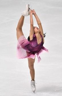 【フィギュアスケート全日本選手権】女子SPで演技する坂本花織=大阪府門真市の東和薬品ラクタブドームで2018年12月21日、猪飼健史撮影