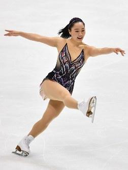 【フィギュアスケート全日本選手権】女子SPで演技を披露する樋口新葉=大阪府門真市の東和薬品ラクタブドームで2018年12月21日、猪飼健史撮影