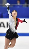 Yuhana Yokoi performs her free program at Japan's national figure skating championships at Towa Pharmaceutical Co.'s Ractab Dome in the city of Kadoma, Osaka Prefecture, on Dec. 23, 2018. (Mainichi/Kenji Ikai)