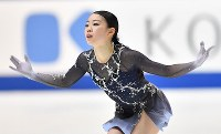 Rika Kihira performs her free program at Japan's national figure skating championships at Towa Pharmaceutical Co.'s Ractab Dome in the city of Kadoma, Osaka Prefecture, on Dec. 23, 2018. (Mainichi/Kenji Ikai)