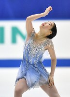 Mai Mihara performs her free program at Japan's national figure skating championships at Towa Pharmaceutical Co.'s Ractab Dome in the city of Kadoma, Osaka Prefecture, on Dec. 23, 2018. (Mainichi/Kenji Ikai)
