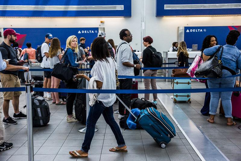 老朽化で不評だったラガーディア空港(2017年6月、Bloomberg)