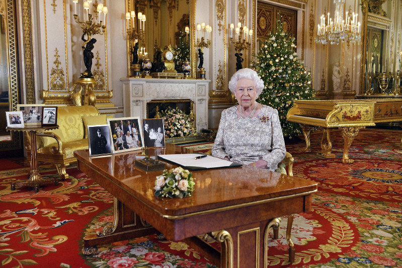 Queen singles out the Gold Coast in 2018 Christmas message