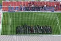 開会式で一斉行進する各校の選手たち=東大阪市花園ラグビー場で2018年12月27日午前10時41分、本社ヘリから大西達也撮影